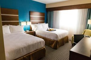 Deluxe Suite Room with Two Queen Beds/Disability Access- Non-Smoking