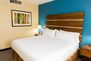 Executive Suite Room with Two Queen Beds - Non-Smoking