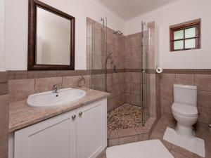 Two Bedroom Cottage with Shower
