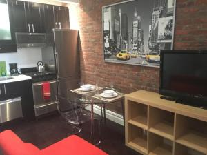 Photo of 2 Bedroom Apt In Hells' Kitchen