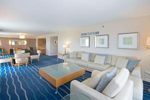 Two-Bedroom Royal Suite on the 33rd floor (6 adults)