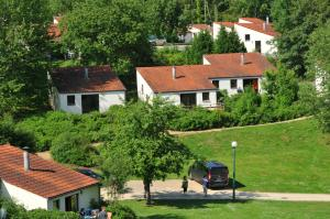 Vallee de Rabais, Holiday parks  Virton - big - 26