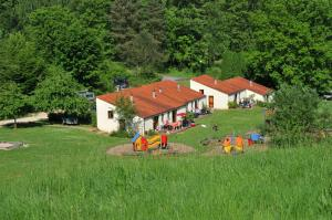 Vallee de Rabais, Holiday parks  Virton - big - 30
