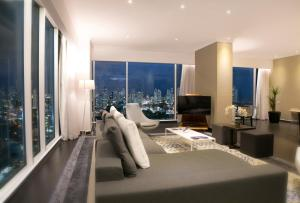 Two-Bedroom Apartment with City View
