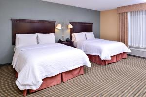 Queen Room with Two Queen Beds - Disability Accessible
