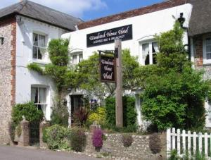 The Woodstock House Hotel - Guest House in Charlton, West Sussex, England