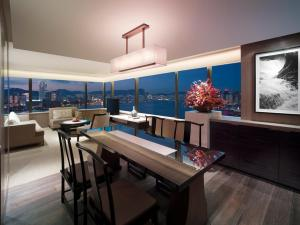Suite - Victoria Harbour
