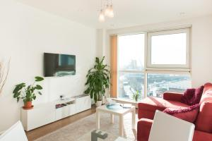 Modern Apartment Riverside Top Floor in London, Greater London, England