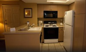 One-Bedroom Suite with Full Kitchen-7 night stay