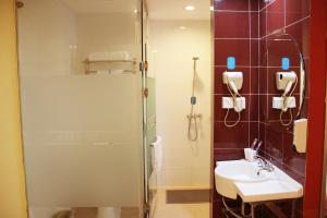 Hanting Express Yiyang Binjiang Road Branch, Hotels  Yiyang - big - 3