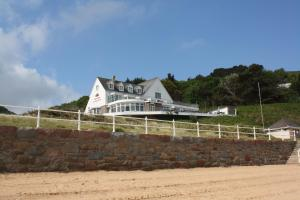Prince of Wales Penthouse in St Ouen's, Channel Islands, Channel Islands