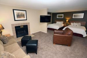 Queen Studio with Two Queen Beds and Sofabed