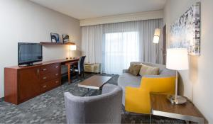 One-Bedroom Suite with 2 Double Beds