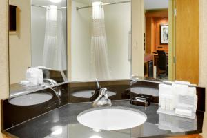 Queen Room with Bath Tub - Disability Access/Non-Smoking