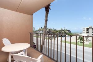 BV - Ocean View Two-Bedroom Apartment (6 Adults)