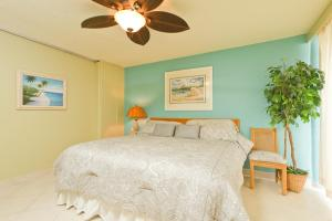 SV1 - Three Bedroom Beachfront Condo Sleeps 8