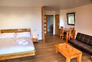 Double Room with Outoor Hot Tub
