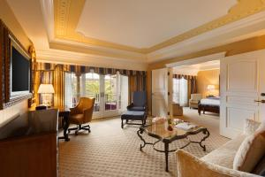 Luxury One-Bedroom Suite - Prado Suite