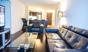 Photo of Pinnacle Suites   Downtown Lake View Suite