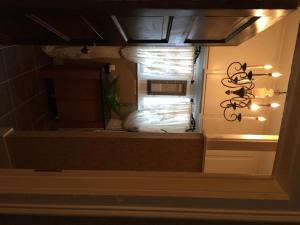 Deluxe Queen Room (Webster)