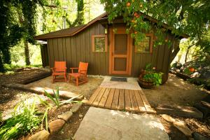Deluxe Cottage - Creekside