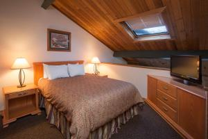 Loft Suite with Queen Bed