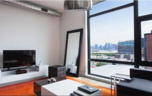 One-Bedroom Apartment Manhattan View