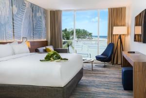 Beach King Room with Ocean View