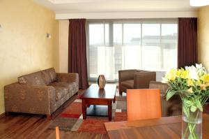 Two-Bedroom Apartment with Spa Access (4 People)
