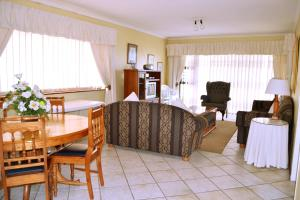 Three-Bedroom Apartment - 12 Malata