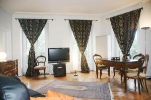 Photo of Apartment De Londres   4 Adults