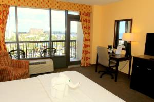 King Room with Balcony - Harbor View