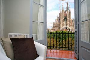 BarcelonaForRent Plaza Sagrada Familia Apartments