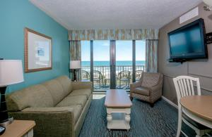Queen Suite with Oceanfront View