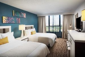 Queen Tower Room with Disney View
