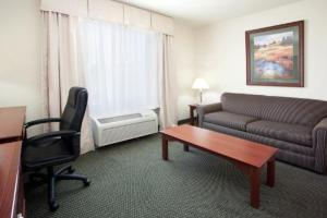 King Suite - Disability Access - Non-Smoking