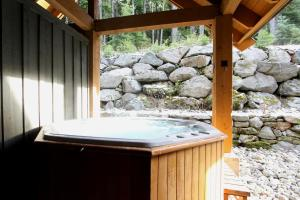 Three-Bedroom Apartment - Hot Tub, Mountain Star