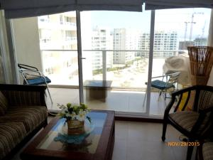 Three-Bedroom Apartment with Sea View - 8th Floor