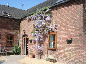 Highfields Farm B&B in Stone, Staffordshire, England