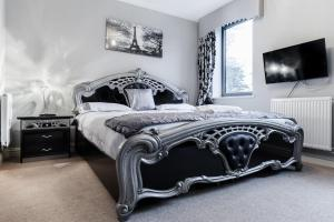 Lingard Holiday Home in The Hyde, Greater London, England