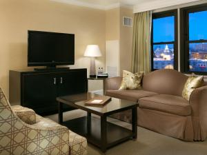 King Suite with Sofa Bed and Plaza View