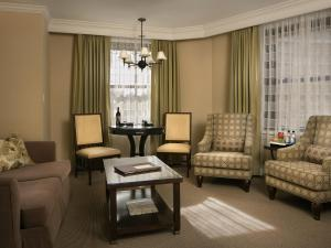 Presidential Suite with Partial Plaza View