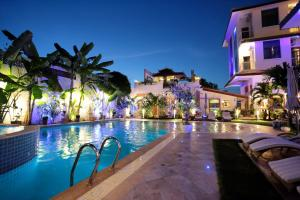 Photo of Deluxx Boutique Hotel And Serviced Apartment