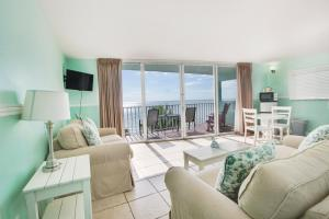 Beachfront Two Double Beds Suite with Balcony - Non-Smoking