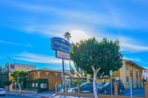 Photo of Hollywood City Inn