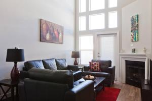 Photo of Westwood Townhouse Apartment