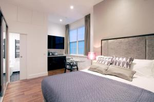 Valet Apartments Golden Square in London, Greater London, England
