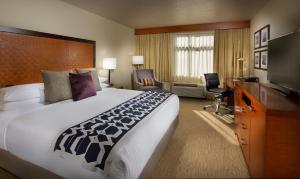 Executive King Room - Free Parking