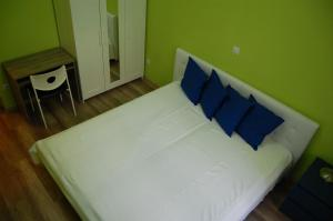 Colors Apartments Budapest, Hostels  Budapest - big - 17