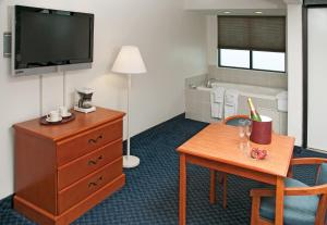 Standard Room with Two Double Beds - Disability Access